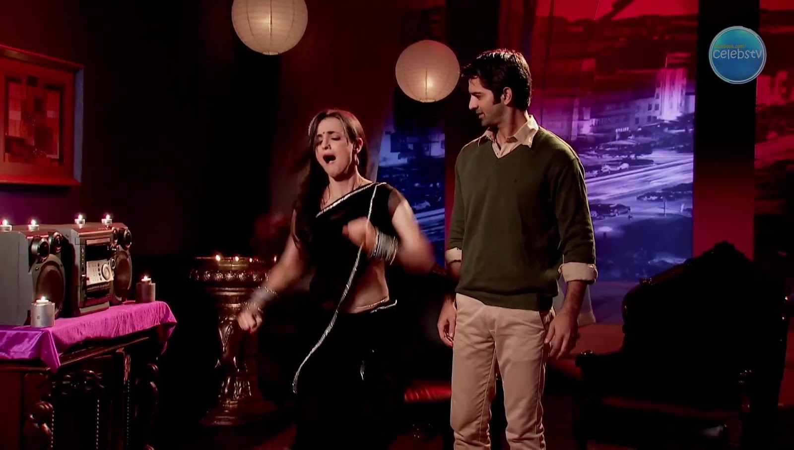 Sanaya Irani Aka Khushi Showing Her Sexy Navel In Dance -6184