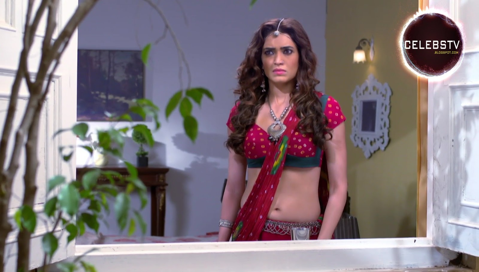 Tv Actress Karishma Tanna Hot Bare Navel Show - Sexy -3050