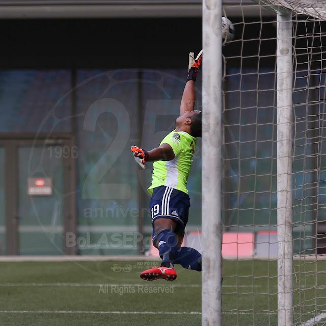 Balestier's 'keeper Zaiful Nizam stretched to his limit