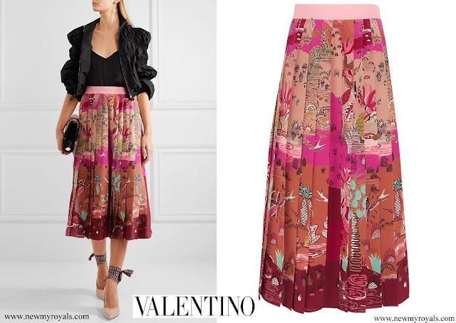 Crown Princess Mary wore a Valentino pleated printed silk crepe-de-chine midi skirt