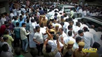 Sasikala leaves to Bangalore to surrender