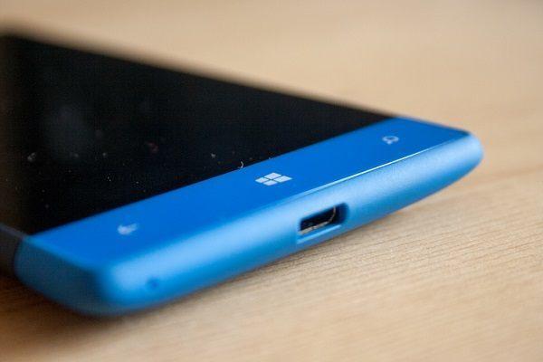 penjualan windows phone tidak bisa saingi Android dan iOS