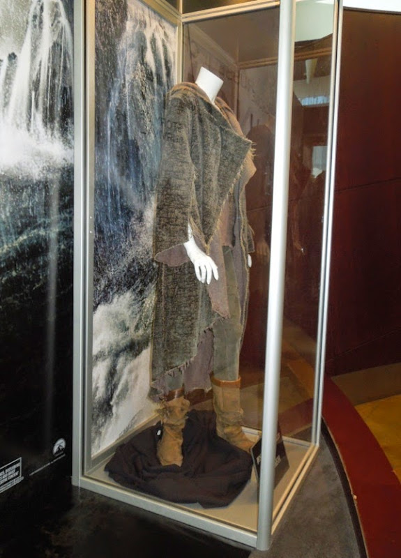 Naameh Noah movie costume