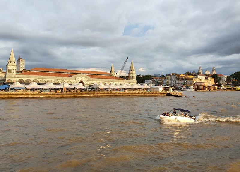Passeio de barco orla Belém