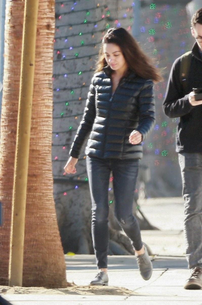 Mila Kunis Clicked Outside  in Los Angeles 12 Nov-2019