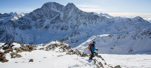 """Χριστούγεννα στον παγετώνα: """"Δεν είμαι τρελός, ούτε ήρωας, ακούω την φωνή της ψυχής μου"""" - Το συγκινητικό μήνυμα Έλληνα ορειβάτη"""