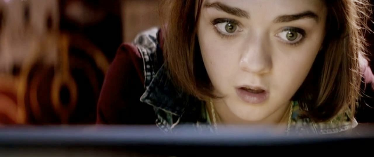 cyberbully maisie williams