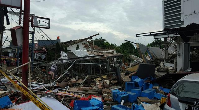 Ledakan Resto Cepat Saji di Jalan Hankam Bekasi Hebohkan Warga