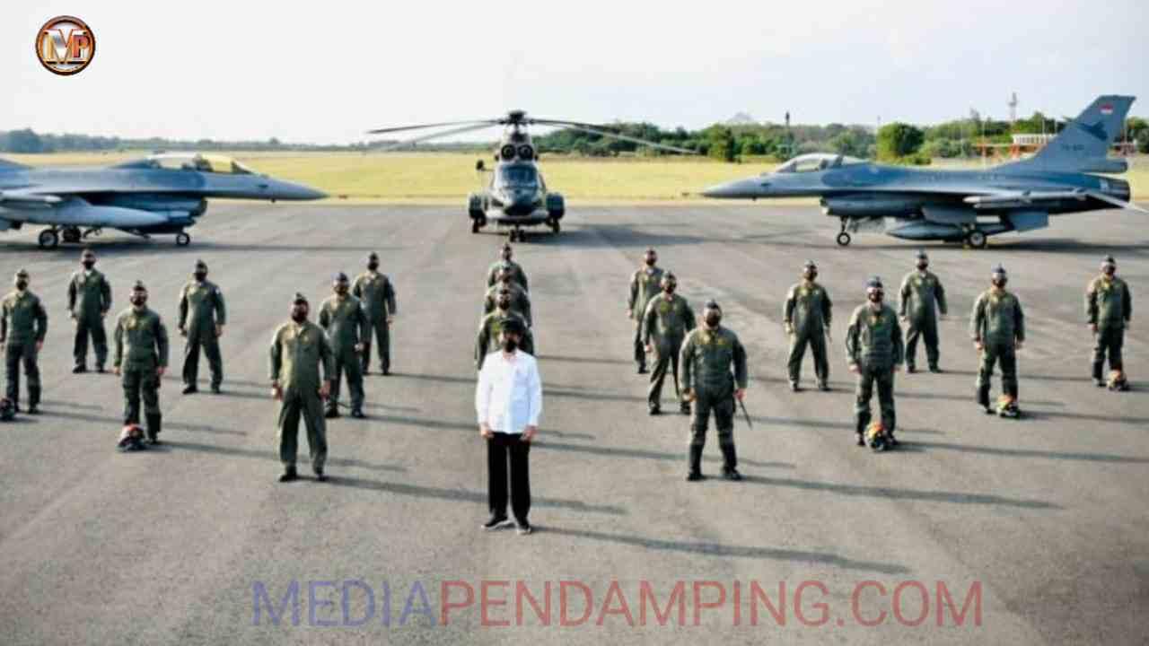 Presiden Bertemu dan Foto Bersama Penerbang Garuda Flight dan Nusantara Flight