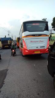 Bus Baru Mercedes Benz OF 917 PO Harapan Jaya Rute Blitar - Surabaya