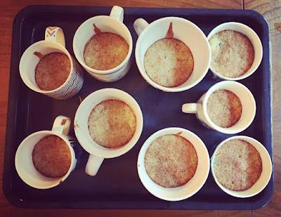 muffinssit mukeissa aitoja kuppikakkuja