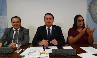 Bolsonaro sugere fim de aulas para emissão de CNH