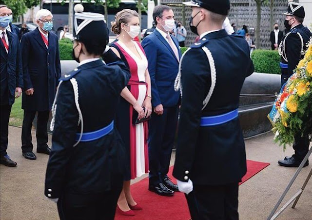 Princess Stephanie wore a new Bailly v-Neck dress from Hobbs. Prince Guillaume and Prince Charles