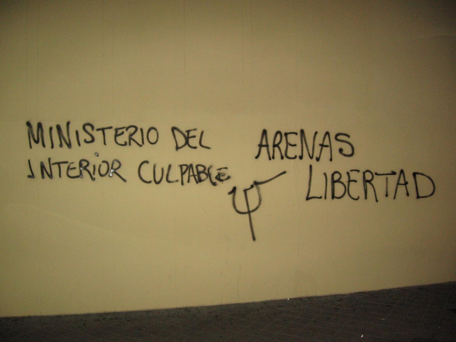 PRESOS: Nueva campaña de pintadas y pancartas \