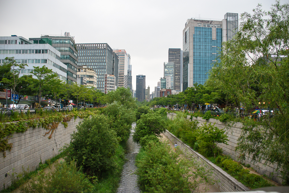 Cheonggyecheon stream day time view