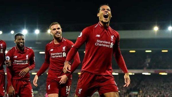 سواريز ينصح ليفربول بضم صفقة مميزة