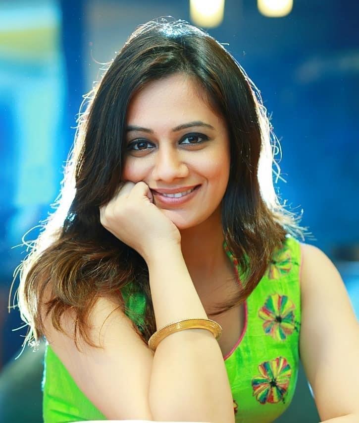 Spruha Joshi Hot Sexy Photos Full Hd Actress Wallpapers Pictures