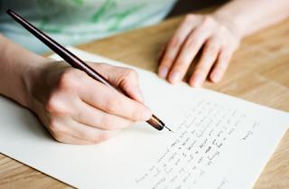 Contoh Lengkap Surat Lamaran Kerja Tulis Tangan Terbaru