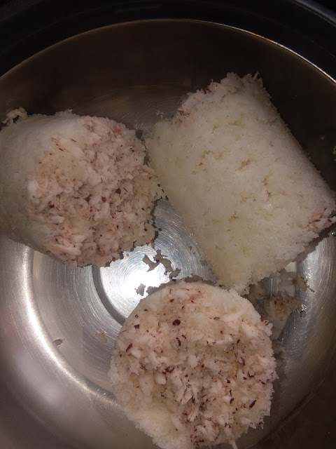 KERALA-VEGETARIAN-DISH-PUTTU-AND-BLACK-KADALA-CURRY