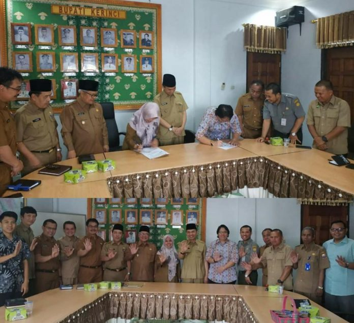 Bupati Adirozal Saksikan Penandatanganan MoU KPHP Kerinci dan Yayasan Penabulu