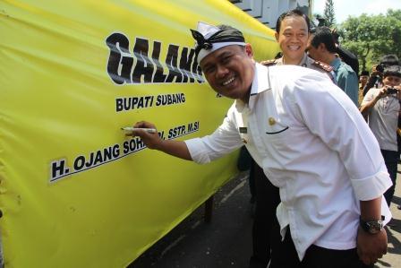 Profil Bupati Subang Ojang Sohandi