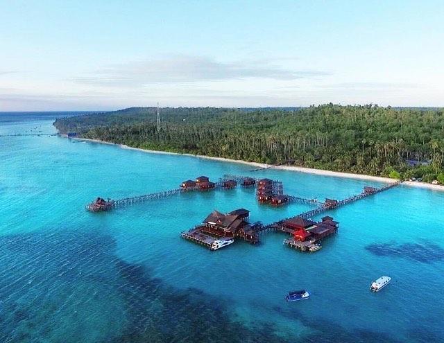 foto keren pemandangan pulau maratua