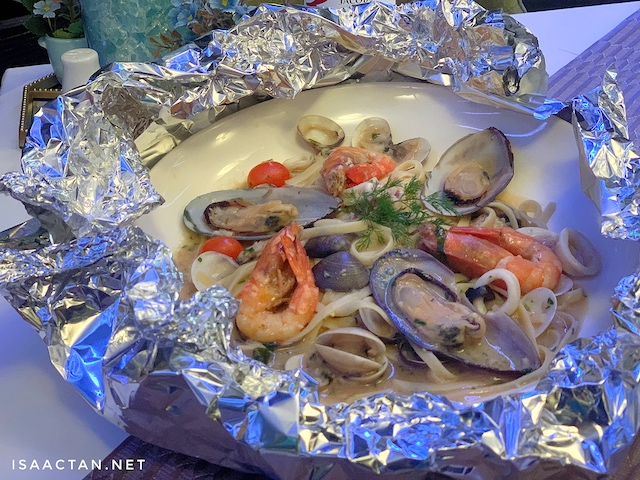 Linguine Seafood in foil - RM70