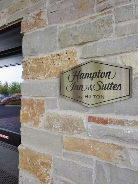 I enjoy #tea before bed: read all about my experience staying at the Hamtpom Inn & Suites #hotel in West Bend, #Wisconsin while in town for the Mother Earth News Fair! #travel #MotherEarthFair #MotherEarthNews #menf