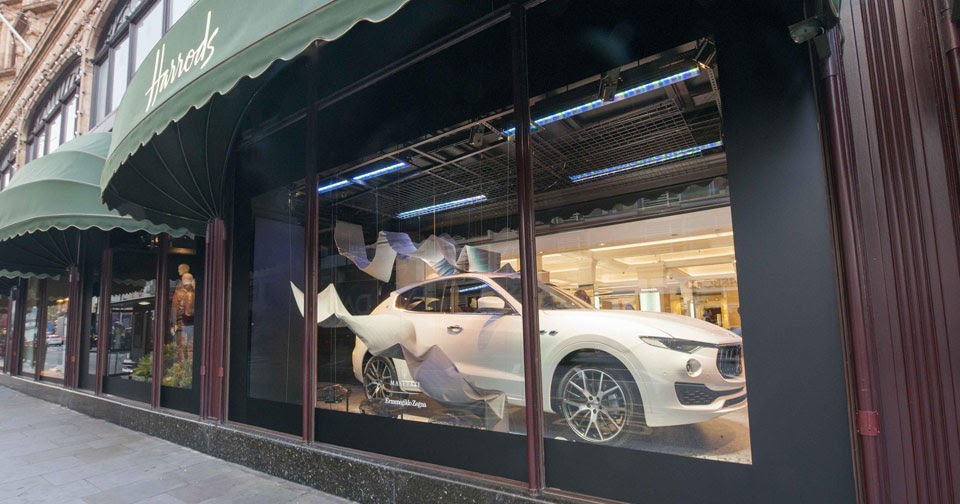 Maserati levante and ermenegildo zegna dazzle at harrods for Door 4 harrods