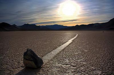 fotografia tomada al suelo del valle de la muerte