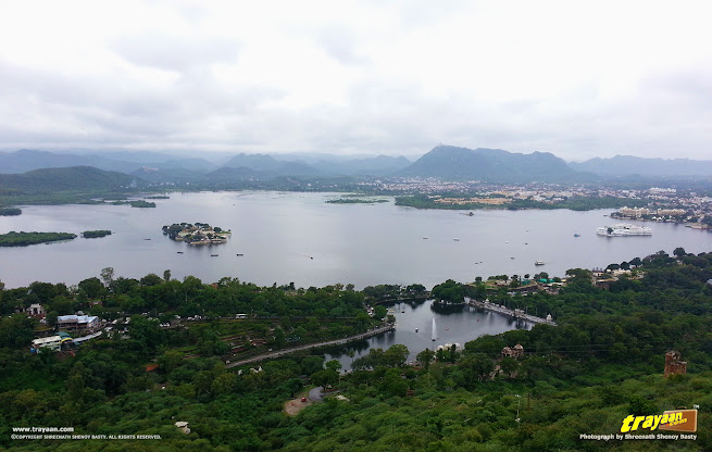 A view of Lake Pichola from atop the hill of Manshapurna Karni Mata Temple in Udaipur, Rajasthan, India