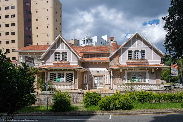 Casa na Rua Saldanha da Gama - vista geral da fachada
