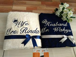 kado pernikahan handuk bordir couple