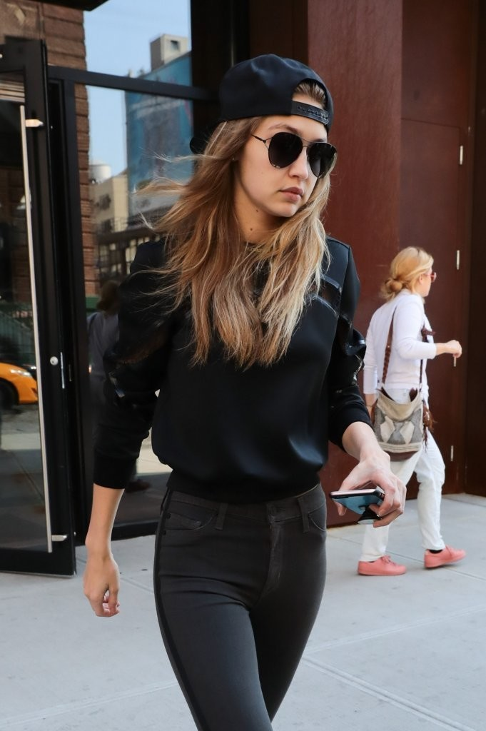 Gigi Hadid Does Casual '90s Style in NYC