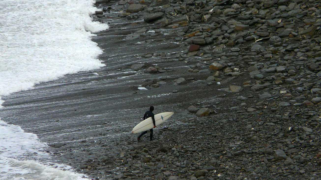 surf menakoz diciembre 2015 olas grandes 34