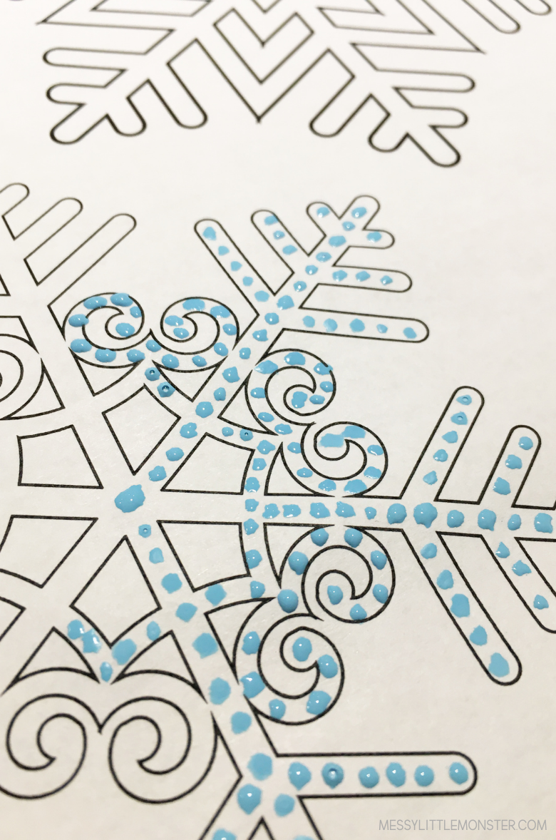 easy snowflake pointillism art for kids