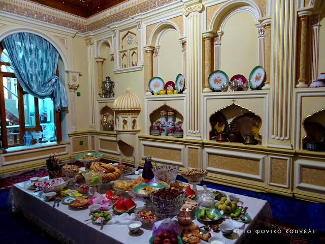 Κίνα, στο δρόμο του μεταξιού... Δείπνο στην παλιά πόλη του Κασγκάρ / China, on the Silk Road