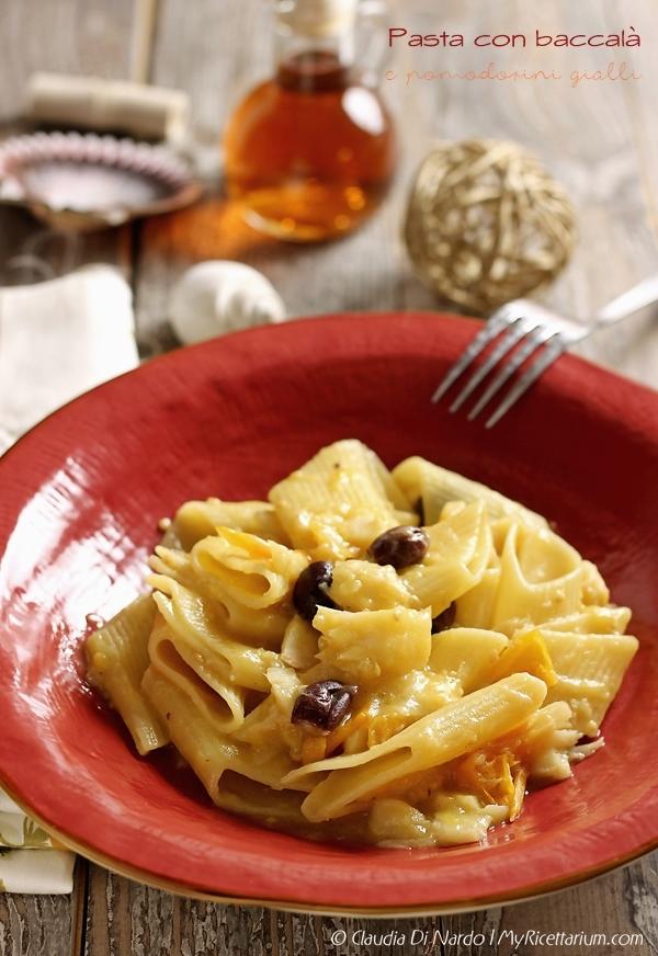 Pasta con baccalà e pomodorini gialli
