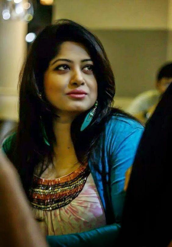 Actress Mousumi Best Photos & Short Biography 17