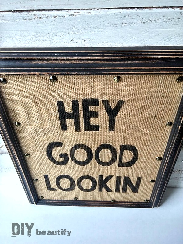 Get your FREE printable version of this Stenciled Burlap sign at DIY beautify blog