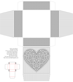 Knotwork heart box in black and white