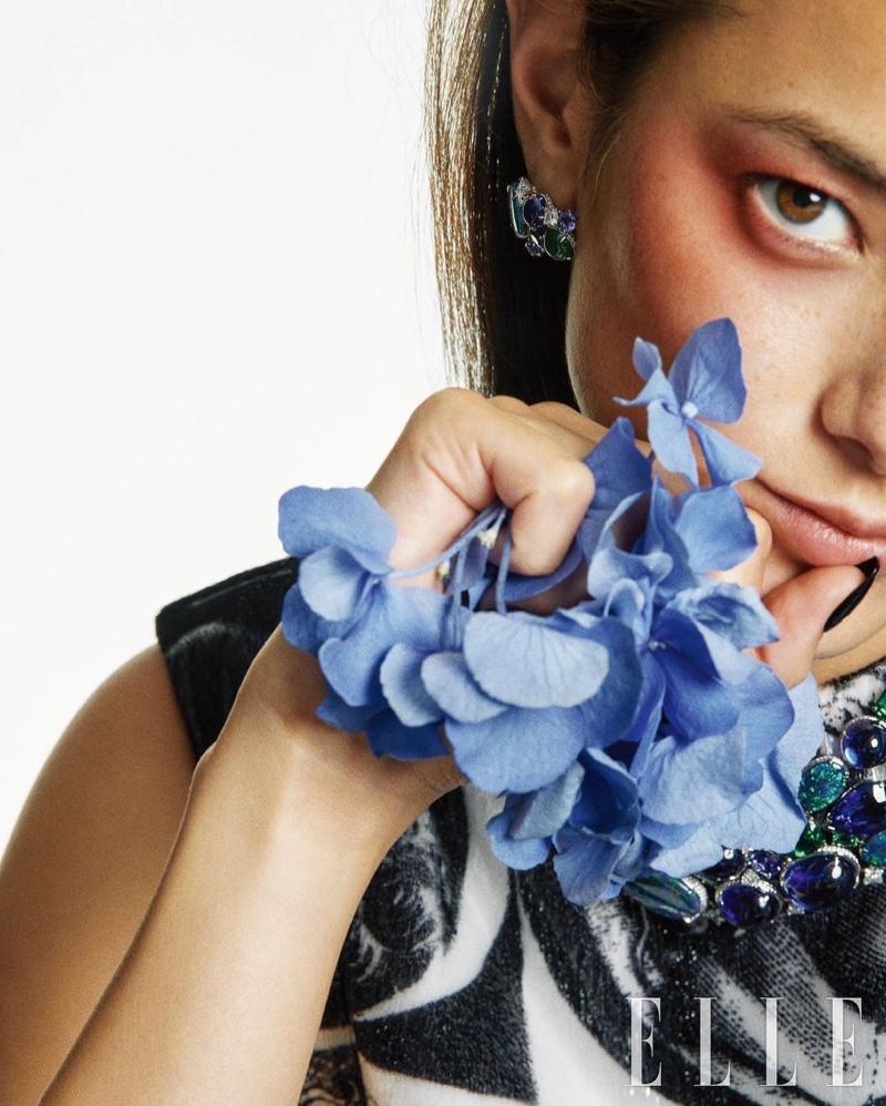 Tiana Tolstoi for Latest Elle Korea
