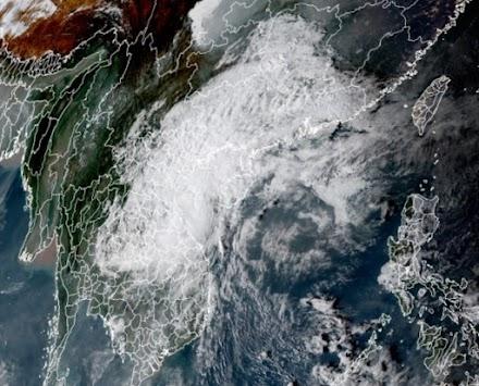 Ο τυφώνας Vamco χτυπάει και το Βιετνάμ