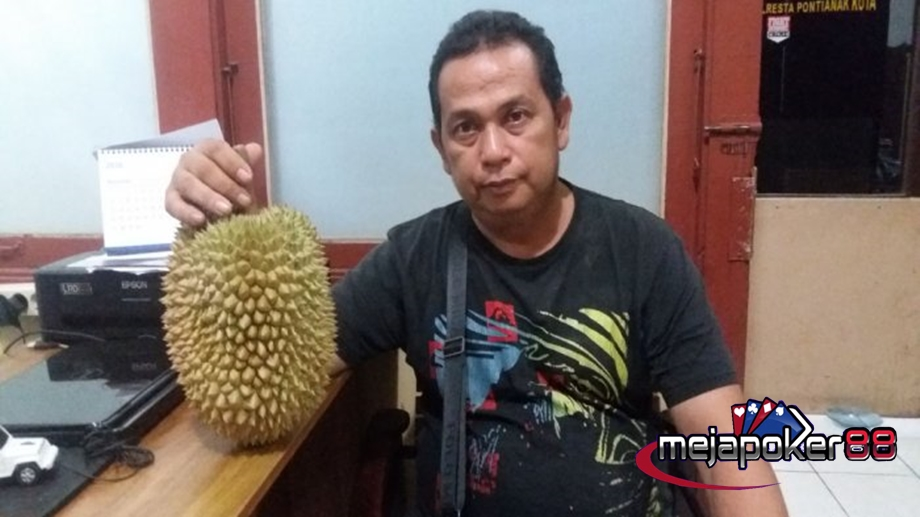 Harga Durian Yang Menghebohkan Dunia Maya