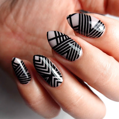 Geometric Stripe Nails