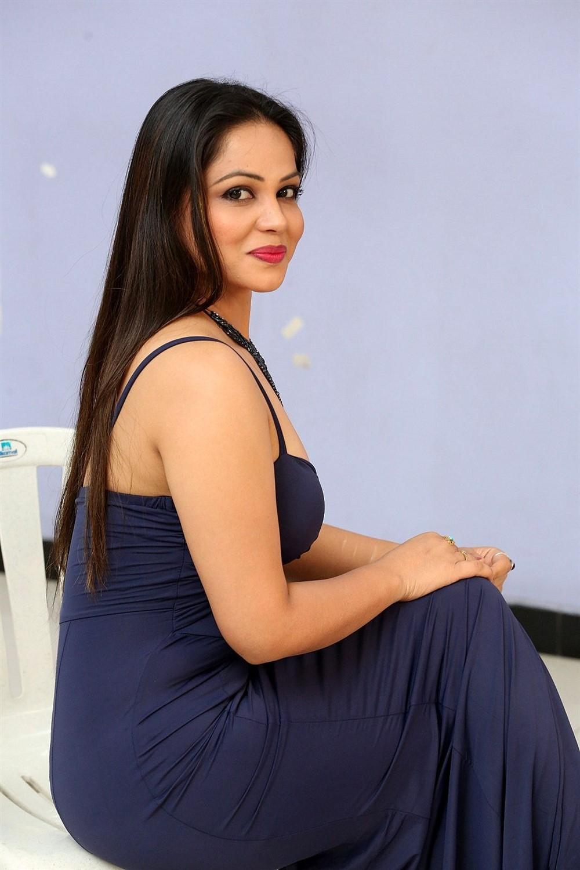 Zaara Khan
