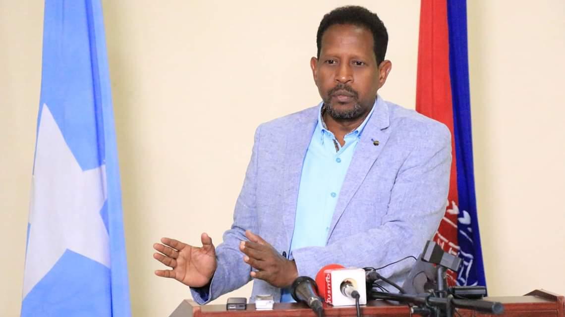 وفاة رئيس بلدية مقديشو متأثراً بجروح أصيب بها  والرئيس محمد عبد الله فرماجو يعلن  الحداد ثلاثة أيام