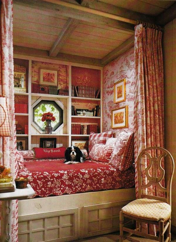 Boiserie c piccole camere da letto - Camera da letto rossa ...