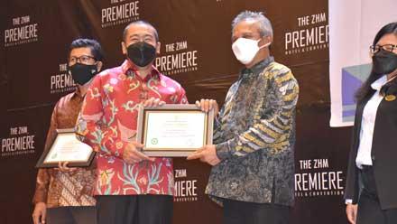 PT Semen Padang Raih Penghargaan Platinum dari Menaker