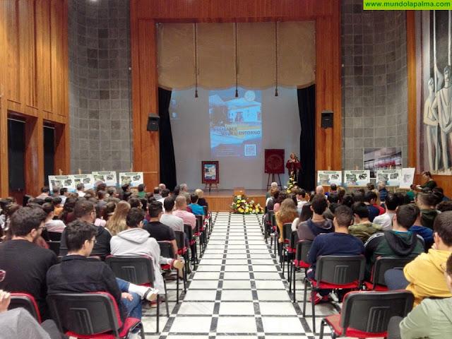 El IES Alonso Pérez Díaz entrega a los ayuntamientos de Santa Cruz de La Palma y Puntallana una ruta turística en códigos QR
